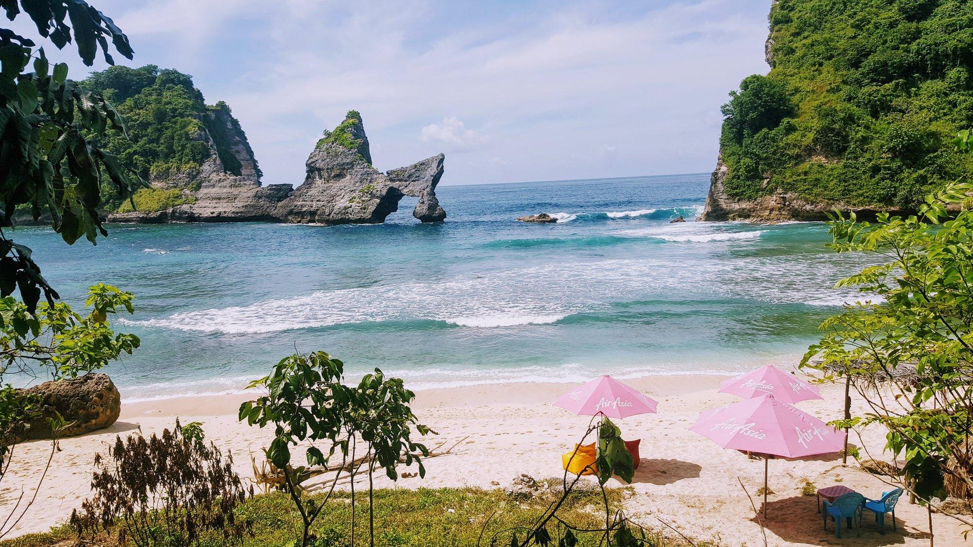atuh beach nusa penida best tour
